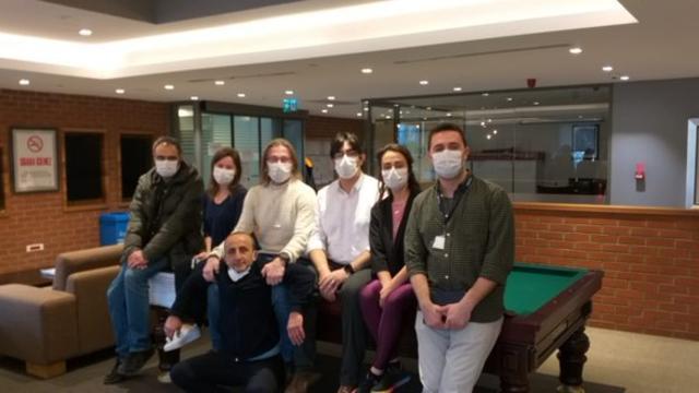 Prof. Dr. Ercüment Ovalı Duyurdu: Koronavirüs Aşısı İçin Deneyler Başladı