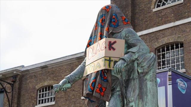 ABD ve Avrupa'da Sömürgecilik Sembolleri Floyd'a Adalet İçin Yıkılıyor