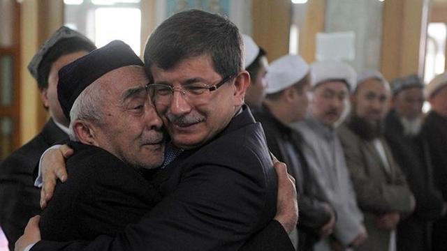 Davutoğlu Uygur Kışkırtıcılarıyla