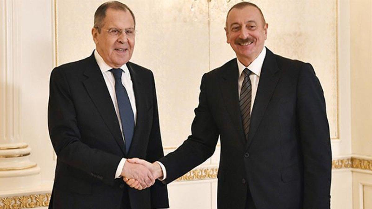 Azerbaycan'da Güçlü Dayanışma Mesajı