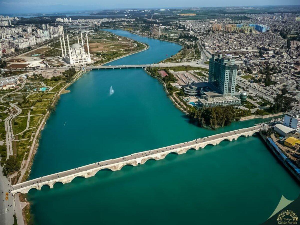Adana Köprü Başı