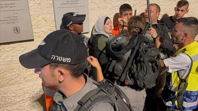 İsrail Polisinden Filistinlilere Saldırı