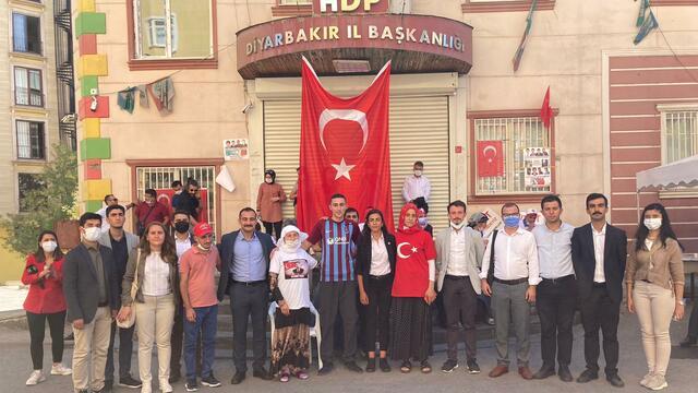 PKK'dan Kaçıp TGB'ye Üye Olan Mustafa Biçer Ulusal Kanal'a Konuştu