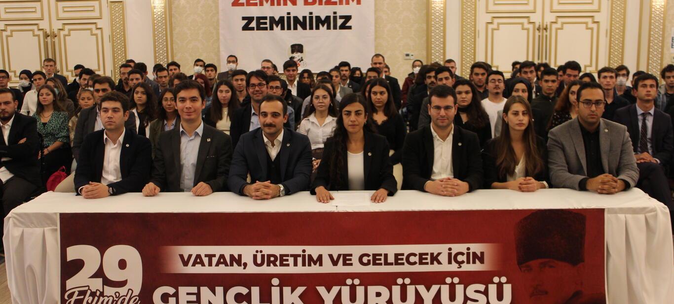 """29 Ekim'de Anıtkabir'e """"Gençlik Yürüyüşü"""""""