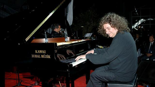 Dünyaca Ünlü Piyanist Tuluyhan Uğurlu'dan Gençlere Tavsiye